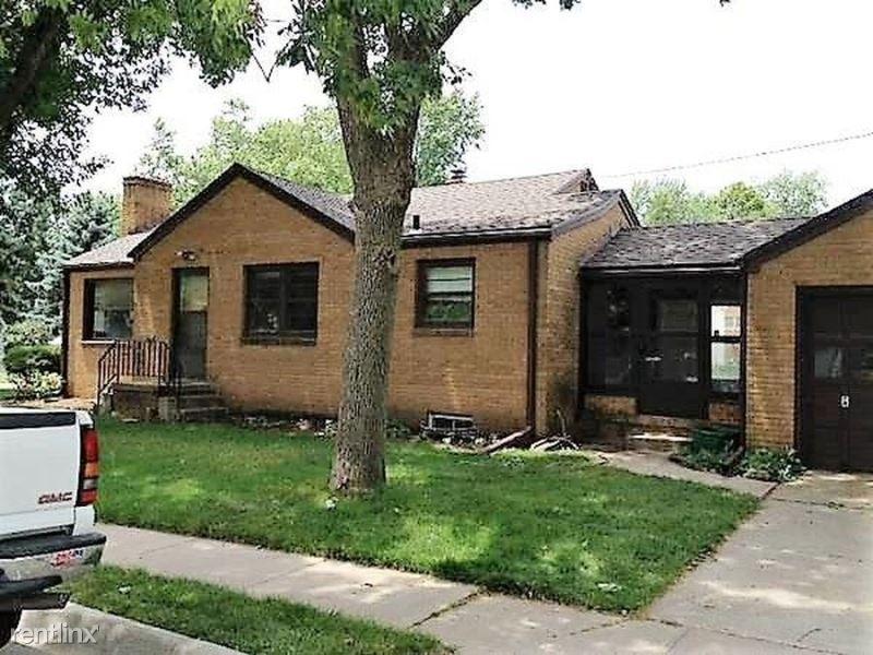 6102 William St, Omaha, NE - $1,350