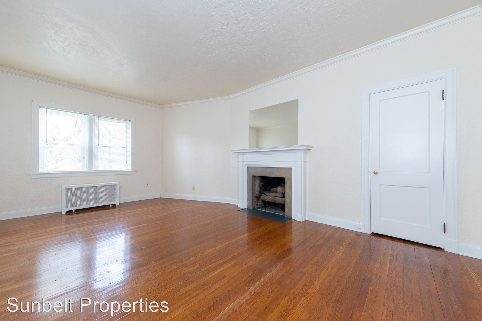 1926 Market Ave N - 650USD / month