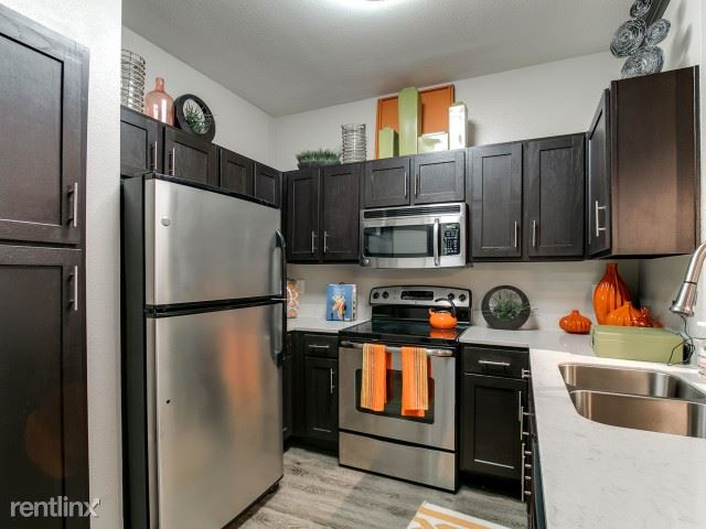 2210 W Dallas St, Houston, TX - $2,160 USD/ month