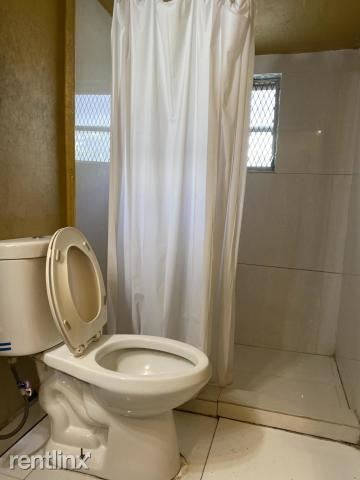 633 NW 15th Ave # A, Fort Lauderdale, FL - $1,800