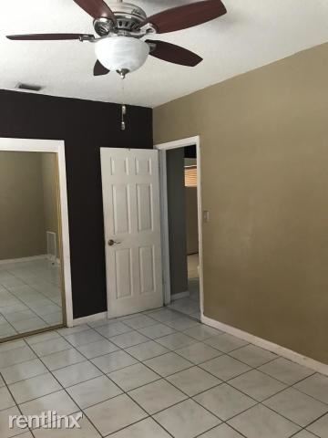 750 E Dayton Cir, Fort Lauderdale, FL - $2,300
