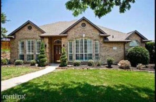 9702 Valley Lake Ct, Irving, TX - $2,695