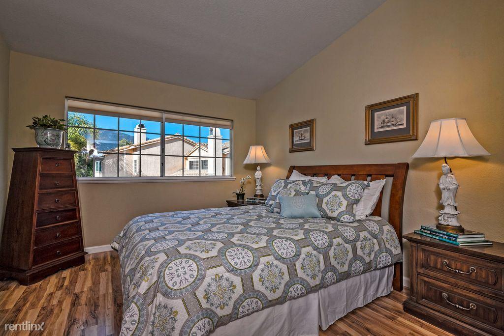 42xx Carpinteria Ave. 1, Carpinteria, CA - $1,300