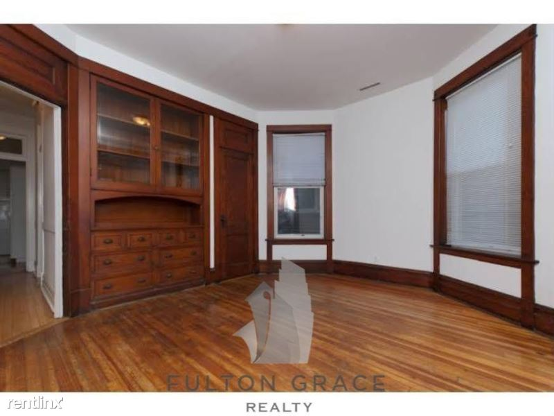 3239 N Clifton Ave # 2, Chicago, IL - $2,340
