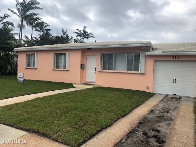 312 Bunker Ranch Rd, West Palm Beach, FL - $2,700