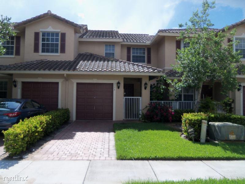 3178 Fairway Cir, Davie, FL - $2,500