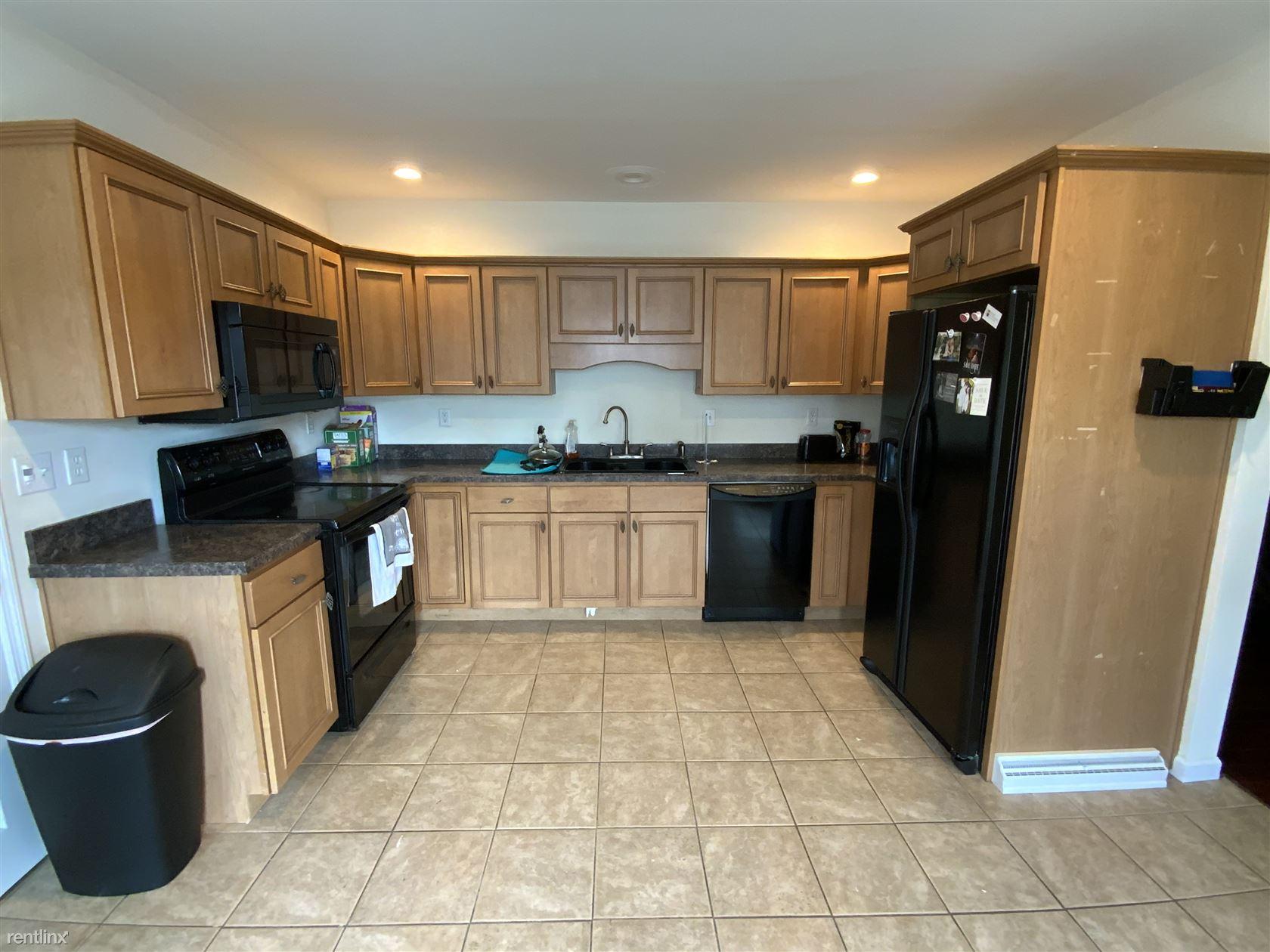 2027 Green Ridge Street, Scranton, PA - $2,200