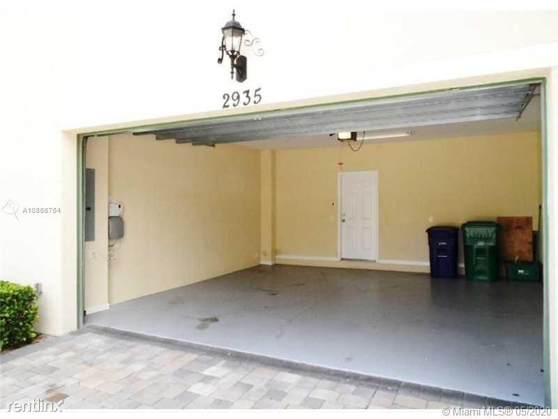 3067 Tortola Way, Hollywood, FL - $2,700