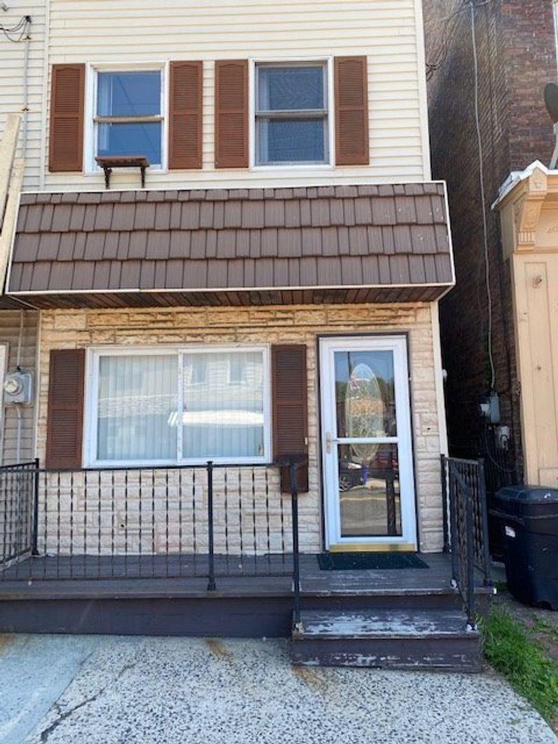 13 N 2ND ST, Saint Clair, PA - $795