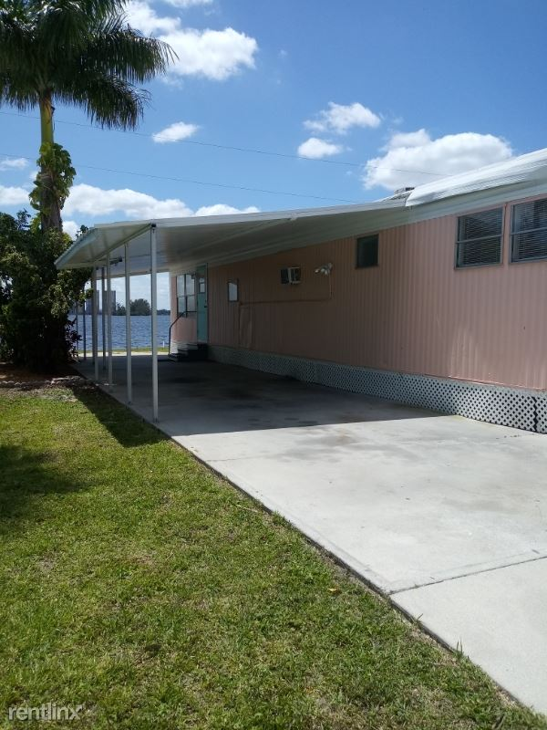 1064 N. Tamiami Tr. office 5, North Fort Myers, FL - $1,300