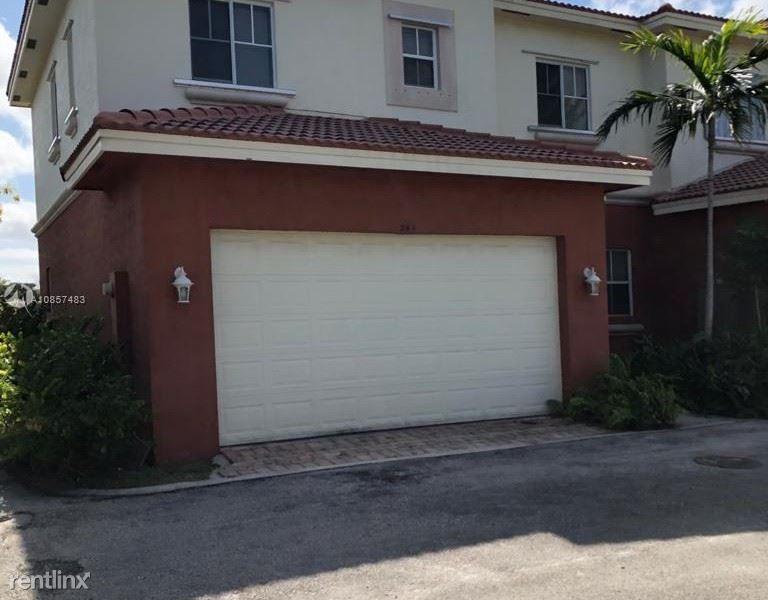 244 SE 2nd St 244, Deerfield Beach, FL - $2,200