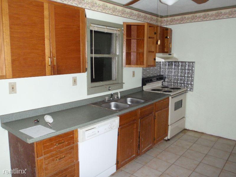 857 Twin Oak Dr, Hillsboro, MO - $400
