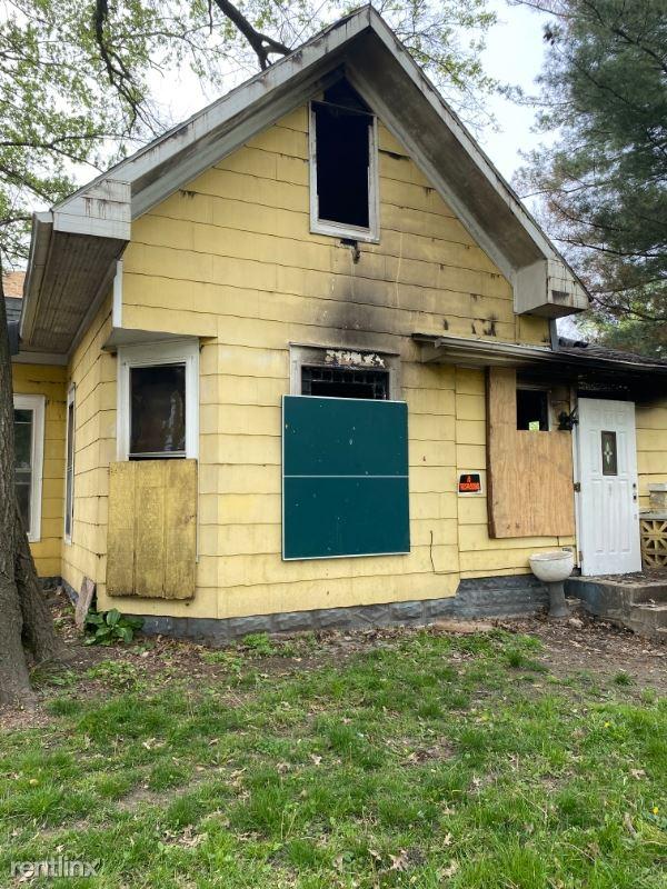 708 S Pine St., Centralia, IL - $75