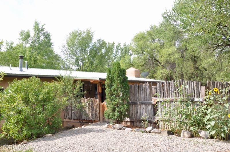 104 A Guthrie Lane, Taos, NM - $1,650