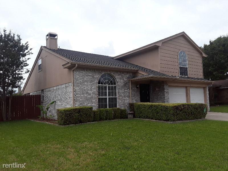 7101 Brookdale Ct., Watauga, TX - $2,300