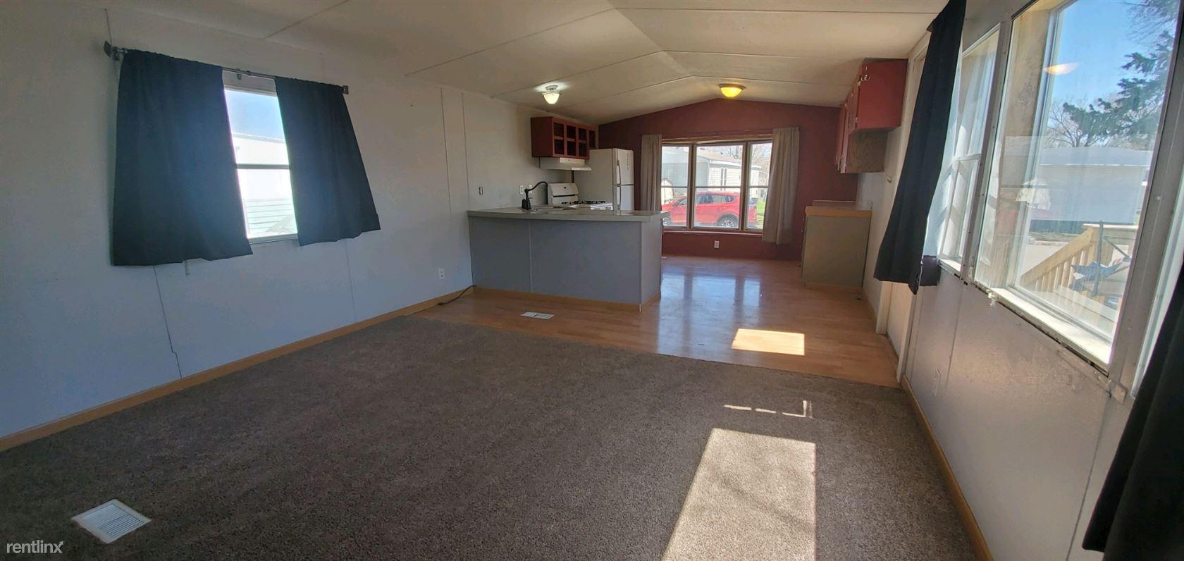 444 C St, West Fargo, ND - $1,099