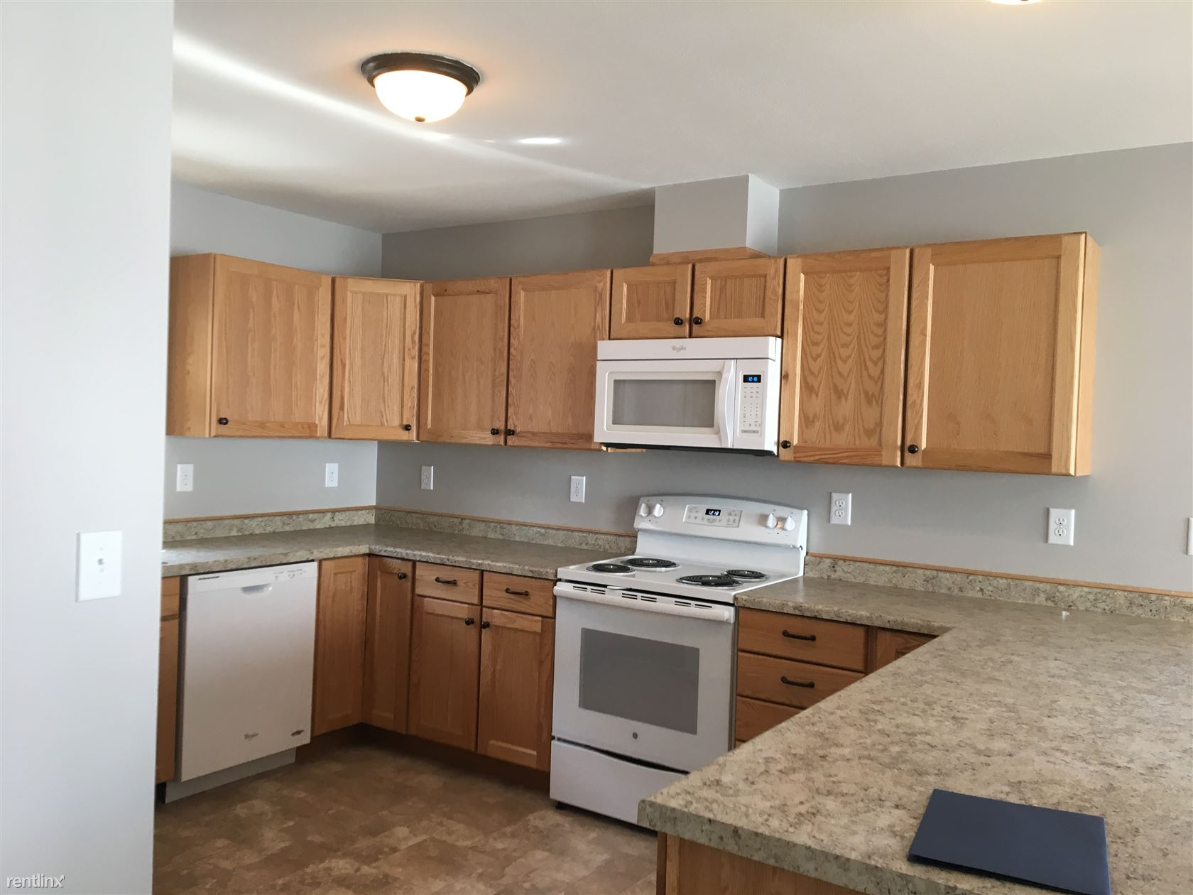 547 4th Ave SW, Valley City, ND - $845