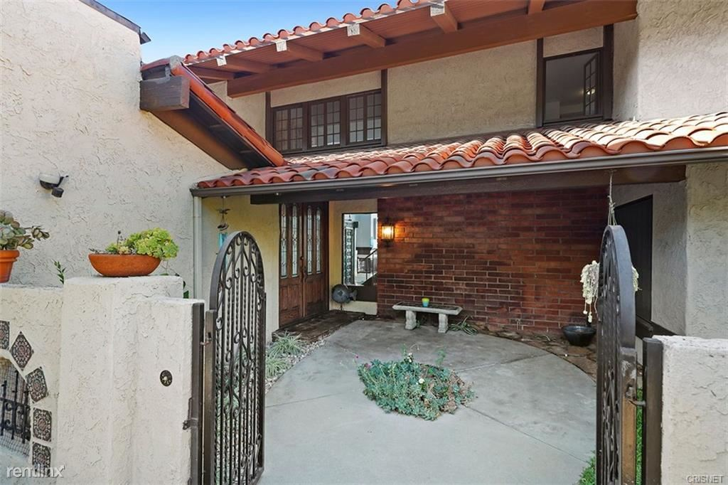 21741 Planewood Dr, Woodland Hills, CA - $8,999