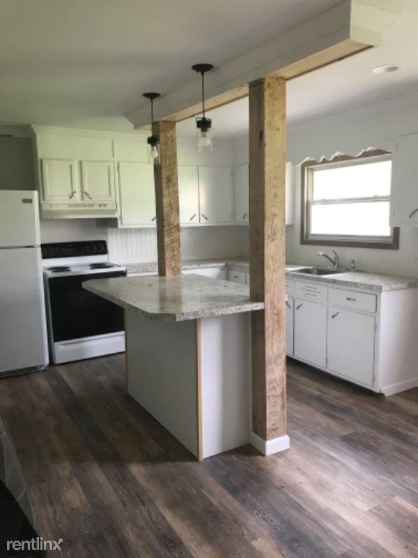 35 W Main St 2, Plainfield, PA - $800