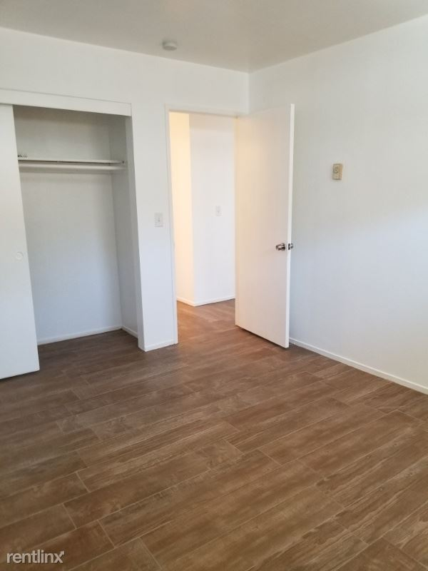 Sims lane, Huntington Beach, CA - $2,985