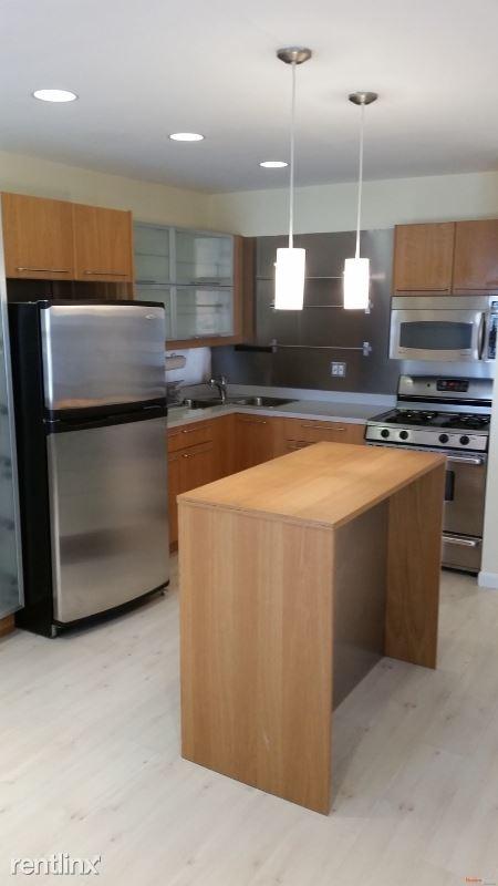 3122 74th St 2, East Elmhurst, NY - $2,300
