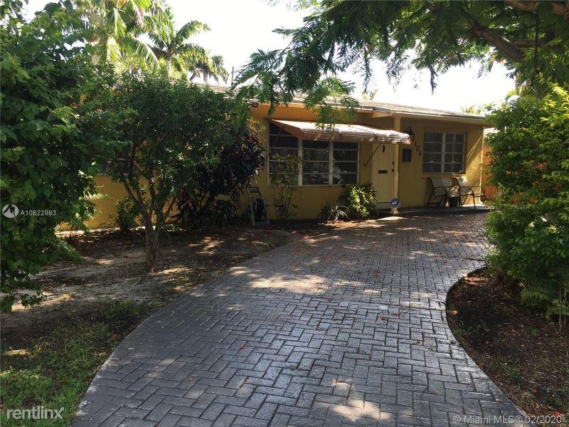1124 NE 7TH ST, Hallandale, FL - $2,400