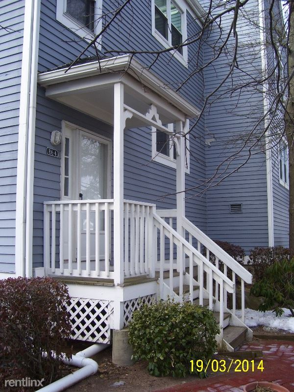 86-4 Cosey Beach Ave 4, East Haven, CT - $1,800
