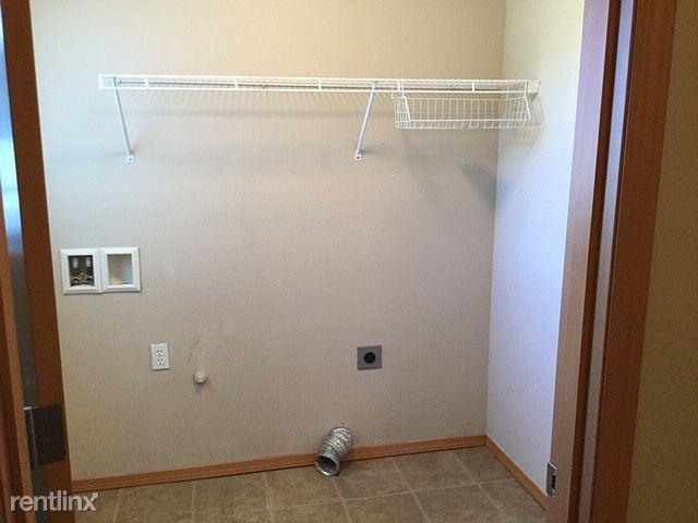 1130 139th Pl SW, Lynnwood, WA - $1,700