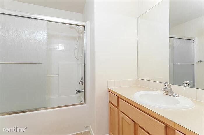 11715 12th Avenue Ct NW, Gig Harbor, WA - $2,300