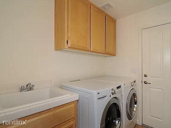 5220 Brondsbury Ln, Fair Oaks, CA - $1,750