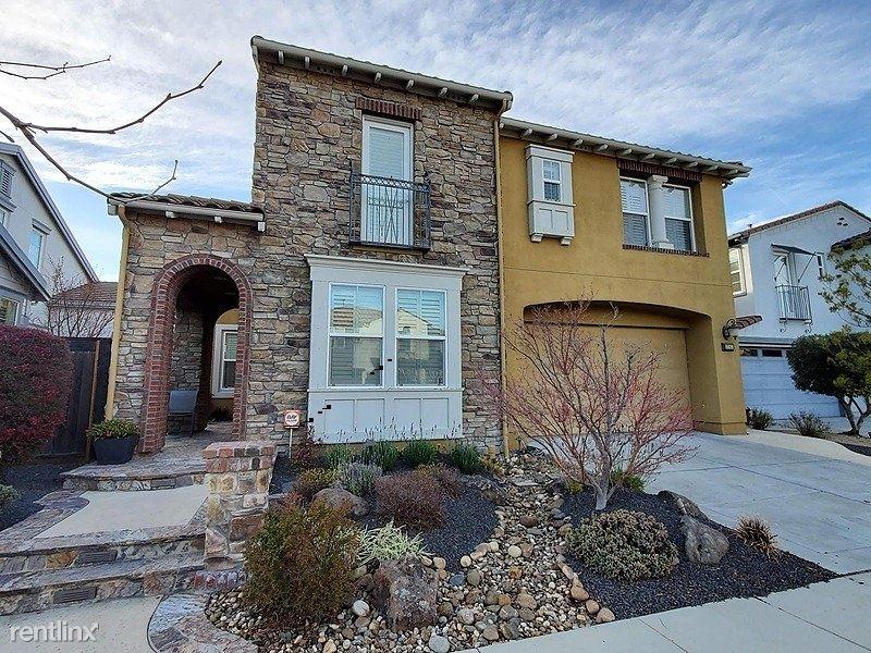 3245 Griffon Street West, Danville, CA - $4,800