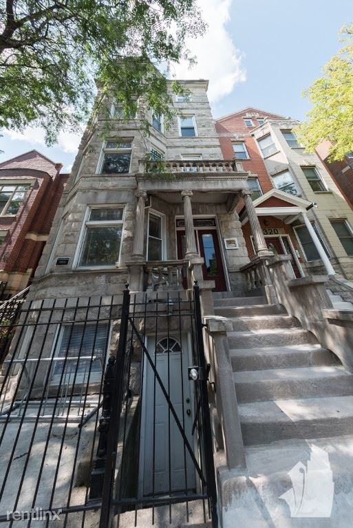2318 N Southport Ave 3R, Chicago, IL - $2,600