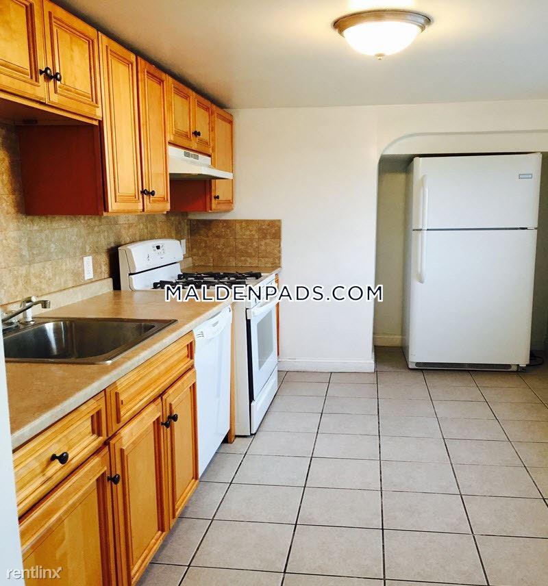 19 Cottage Pl # 2, Malden, MA - $3,163