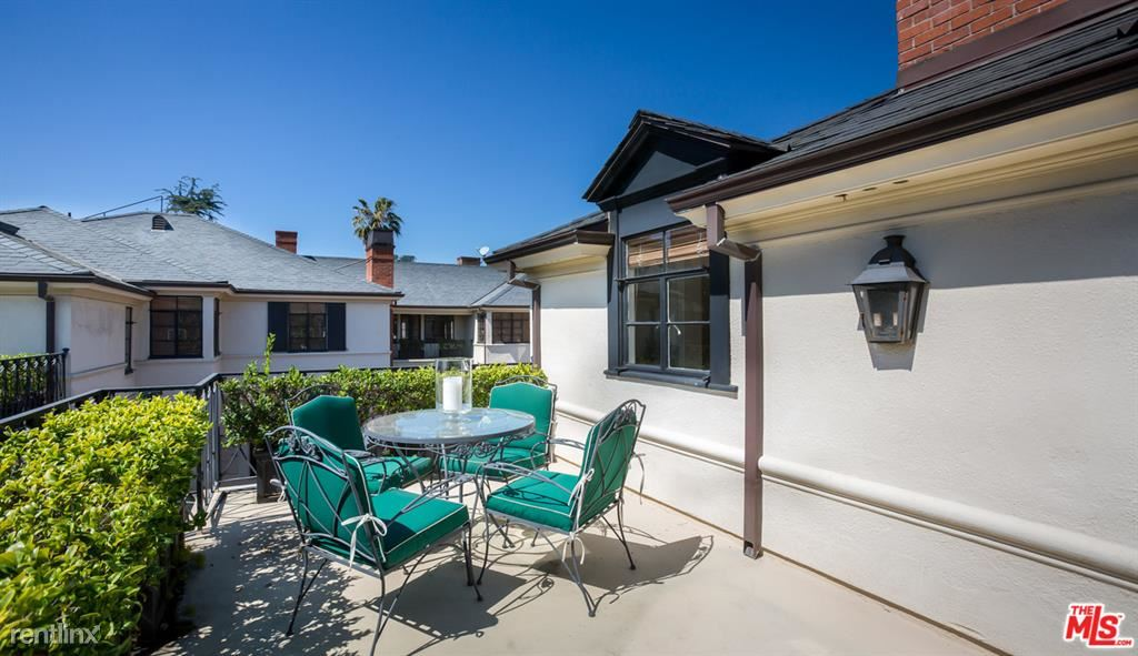 159 S Rodeo Dr, Beverly Hills, CA - $9,000