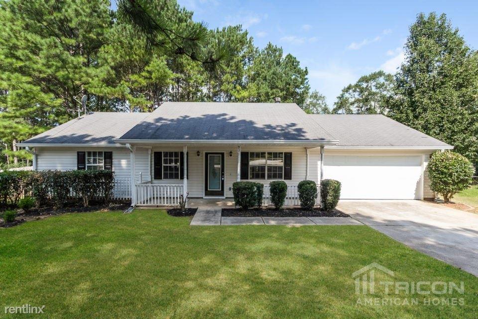 97 Mallie Court, Hampton, GA - $1,449