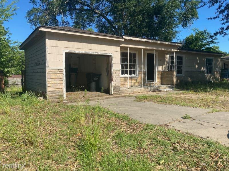 2216 S 12th St, Longview, TX - $995
