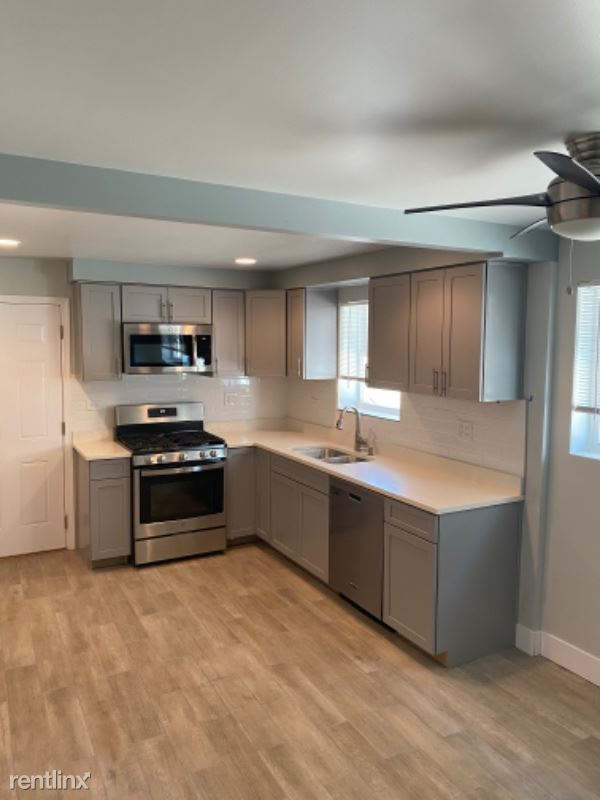4439 N Newcastle Ave 1, Harwood Heights, IL - $1,450