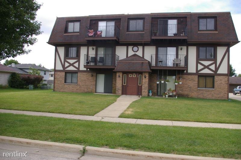 773 Lippert Ln 1E, Glendale Heights, IL - $1,295