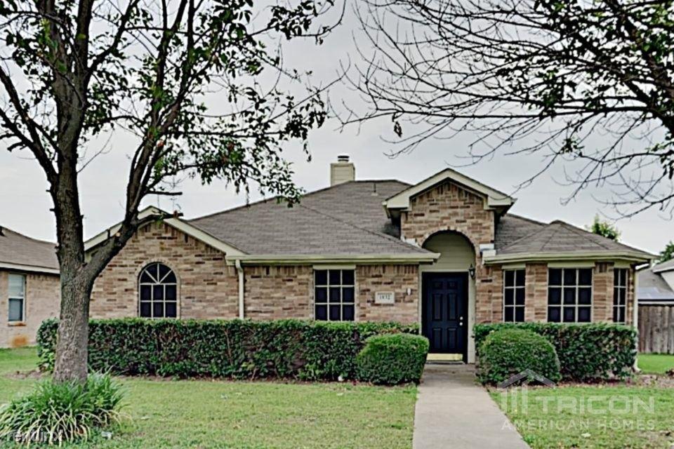 1832 Mcneely Street, Lancaster, TX - $1,549