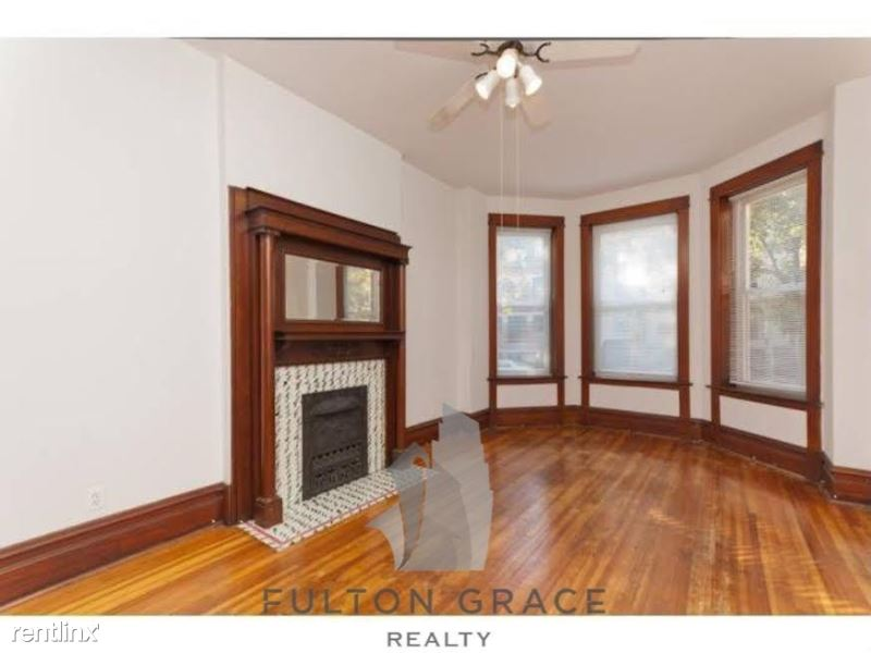 3239 N Clifton Ave 2, Chicago, IL - $2,340
