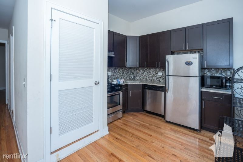 3358 N Sheffield Ave 02, Chicago, IL - $2,600