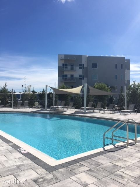 949 Cleveland St 1, Clearwater, FL - $1,405