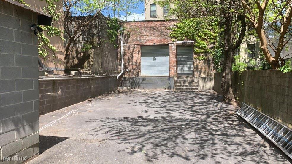 365 E 153rd St, Bronx, NY - $4,500