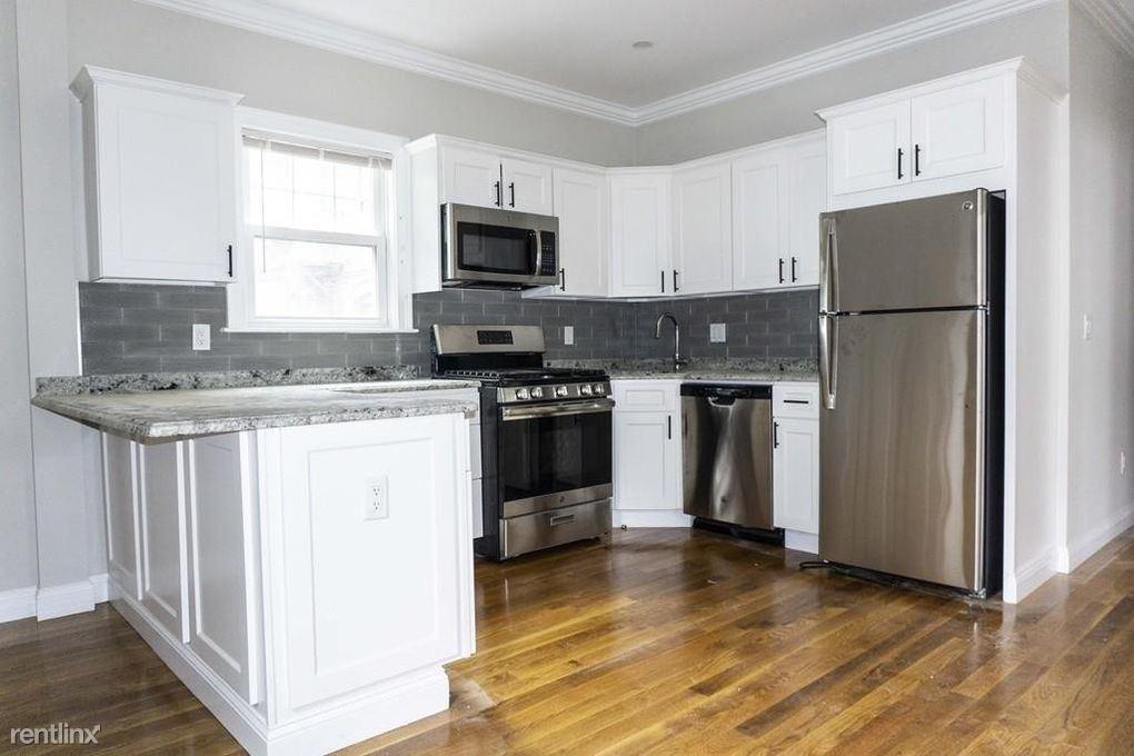 9 Woodside Ave # 11, Jamaica Plain, MA - $4,400