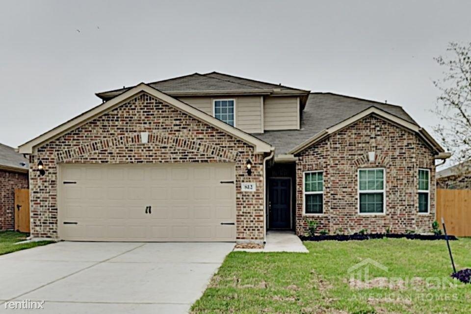 812 Painted Bison Drive, La Marque, TX - $1,899