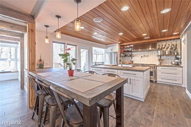 55 Farwood Dr, Moreland Hills, OH - $3,900