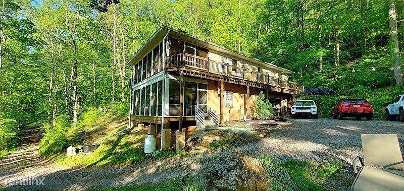 239 Wayah Woods Lane, Franklin, NC - $2,100