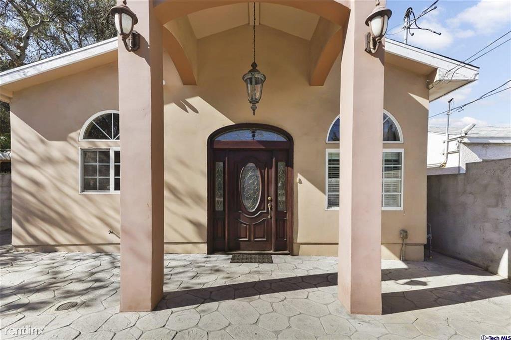 10521 Leolang Ave, Sunland, CA - $3,300