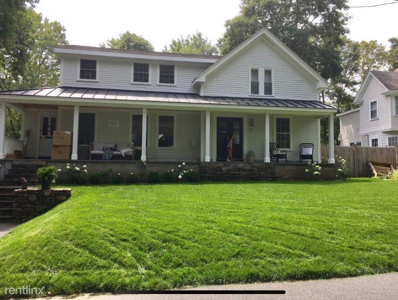 41 Howe St., Wellesley, MA - $5,900