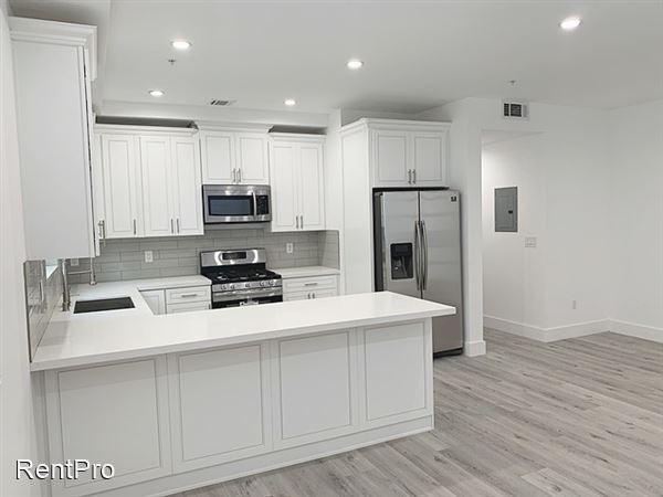 7125 S La Cienega Blvd, Westchester, CA - $3,495